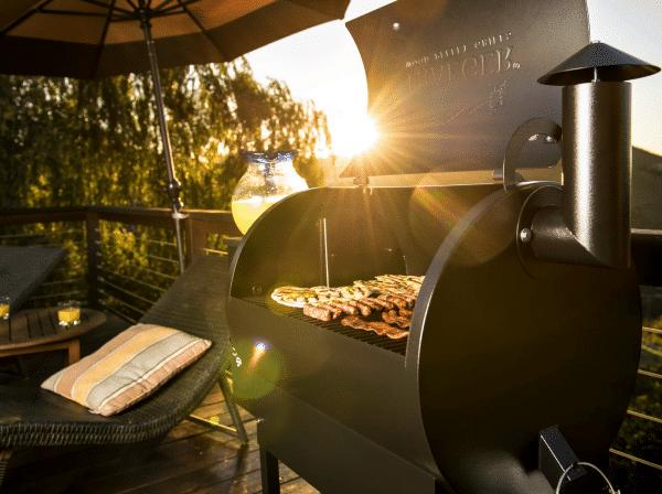 מעשנת בשר וגריל בשר דגם פרו 22 - טרייגר גריל מעשנה