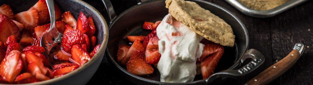 מתכון למעשנה קוקי-תות, עוגיות חמאה עם תותים - טרייגר מעשנת בשר, כפיסי עץ, תבלינים לעל האש, אביזרים למנגל וכלים למנגל