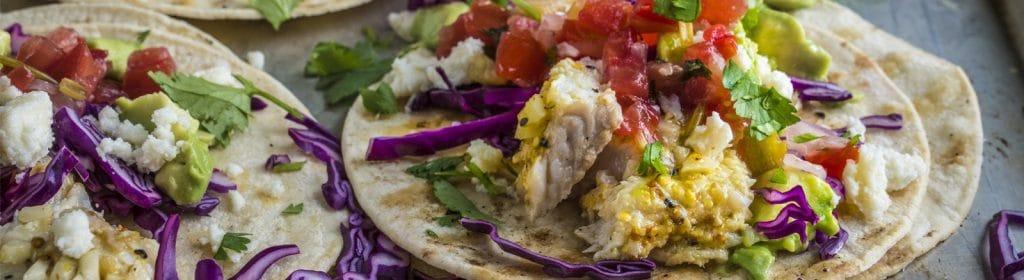מתכון למעשנה, טאקו דגים מקסיקני - Traeger Grills, מעשנת בשר, שבבי עת לעישון וכלים למנגל