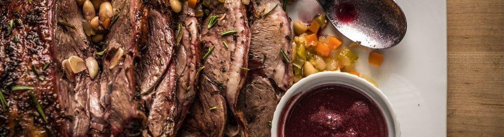 במעשנת הבשר של חברת טרייגר ניתן לאפות, לצלות, לבשל ולעשן בשר וירקות
