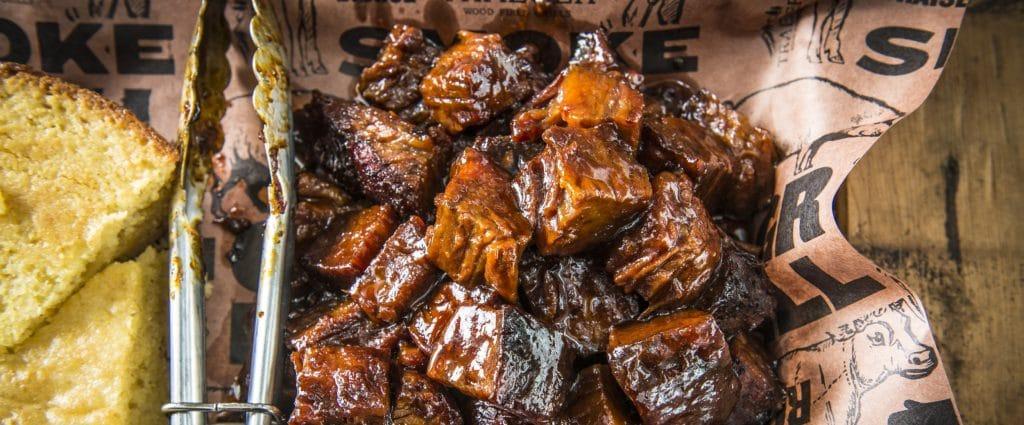מתכון למעשנת בשר, קוביות גן עדן, Traeger Grills מעשנת בשר, כפיסי עץ כלים למנגל