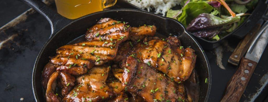 מתכון למעשנת בשר,פרגיות במשמש - Traeger Grills מעשנת בשר, שבבי עץ לעישון וכלים למנגל