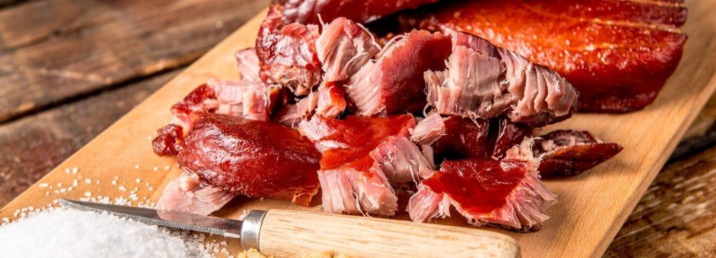 מתכון למעשנת בשר, טונה מעושנת, טרייגר מעשנת בשר, שבבי עץ לעישון ואביזרים למנגל