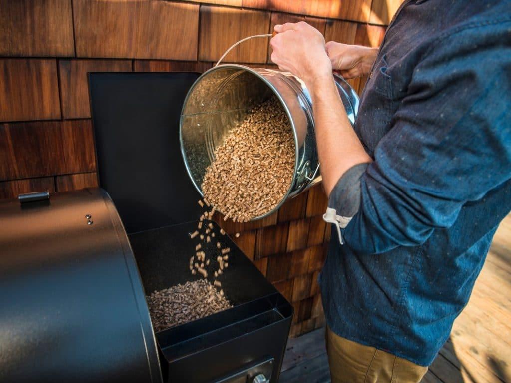 ככה תתאימו את זן שבבי העץ לעישון התבשיל המושלם – טרייגר גריל