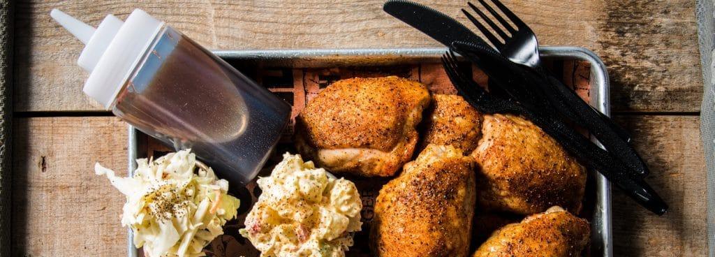 מתכון למעשנת בשר, ירכי עוף במעשנה, Traeger Grills כי אין טעם בגריל אחר