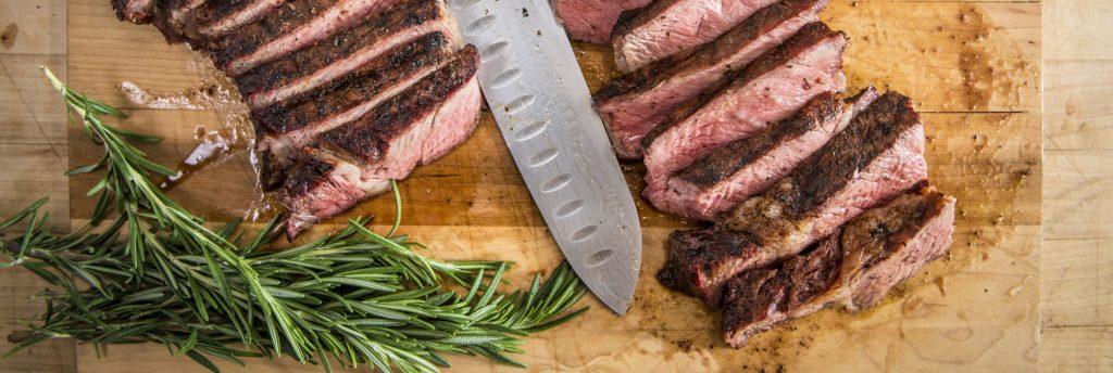 מתכון למעשנת בשר, סטייק סינטה בקפה וקקאו מבית Traeger Grills
