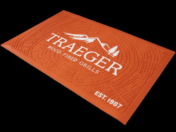 שטיח מתחת למנגל - Traeger Grills מומחים במעשנות בשר
