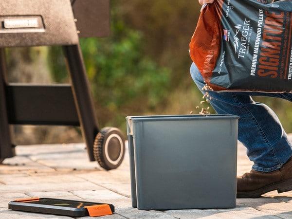 קופסא איכותית ועמידה לאחסון שבבי עץ לעישון במעשנה של חברת טרייגר
